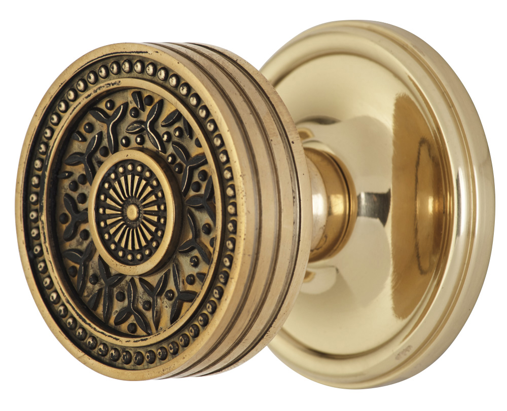 2 1/4 Inch Sunburst Petal Door Knob With Victorian Style Rosette (Polished Brass Finish)