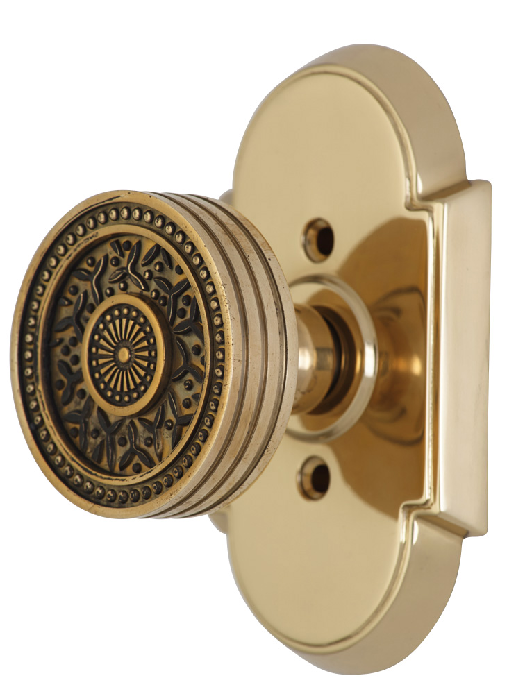 2 1/4 Inch Sunburst Petal Door Knob With Arched Rosette (Polished Brass Finish)
