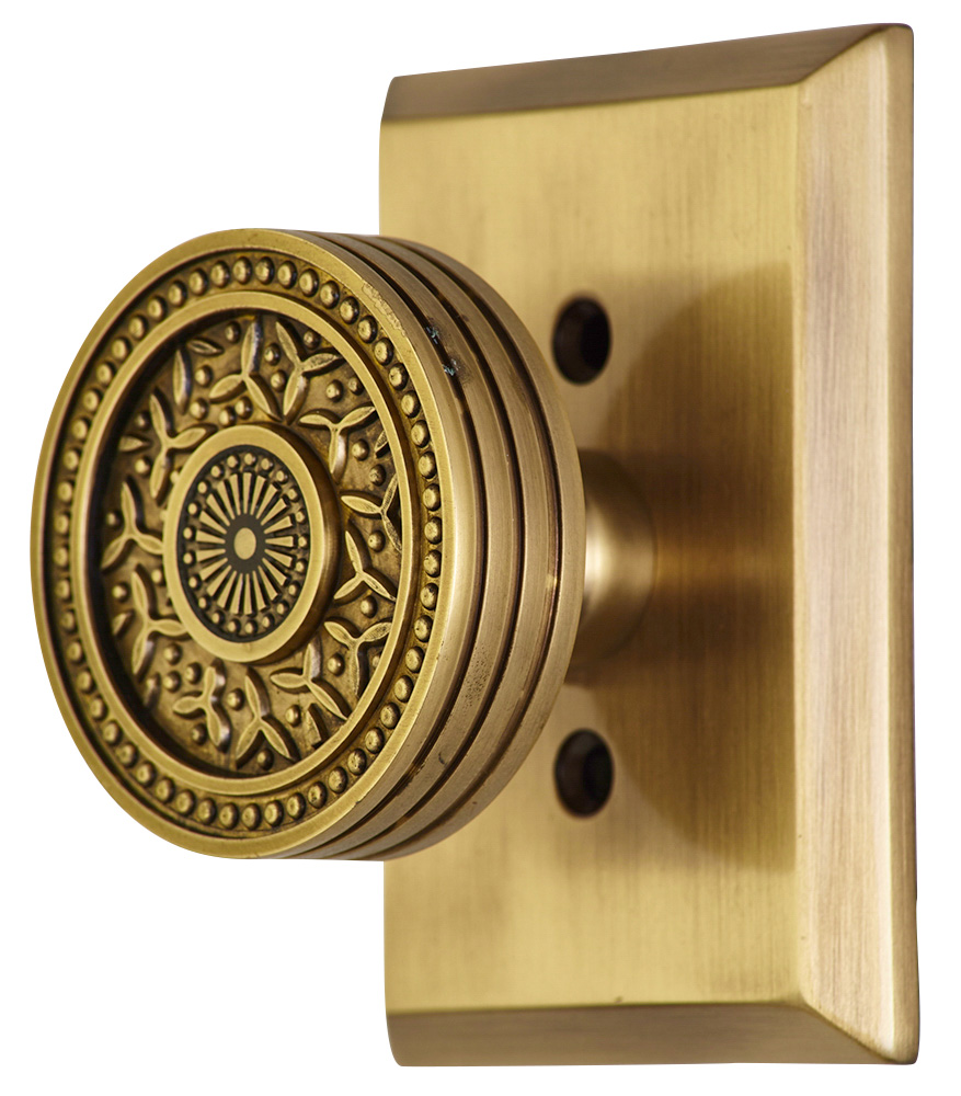 2 1/4 Inch Sunburst Petal Door Knob With Rectangular Rosette (Antique Brass Finish)