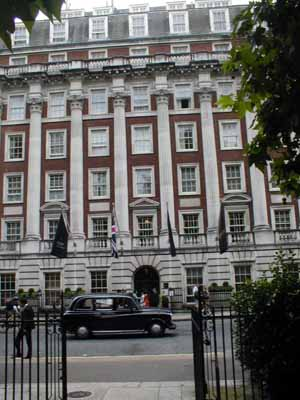 Grosvenor_Square_Millennium_Hotel_300.jpg
