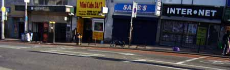 West_Croydon_Station_internet_cafe_450.jpg