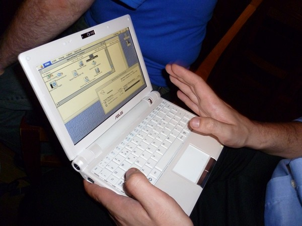 EeePC running Mac OS 7.5.5